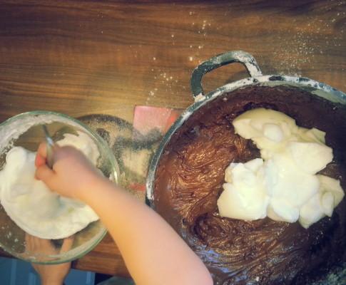 Murzynek a'la piernik z powidłami śliwowymi i gorzką czekoladą