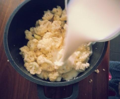 Zupa krem z kalafiora na mleku