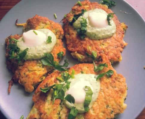 Omlet/placuszki z kaszą jaglaną, siemieniem lnianym i warzywami