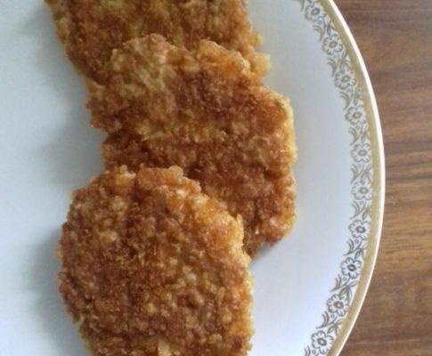 Pulpety rybne z ryżem jaśminowym w płatkach kukurydzianych